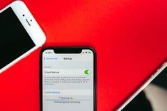 Ersatzdaten bezüglich Flaggschiff Apples Iphone X Smartphone Lizenzfreie Stockbilder
