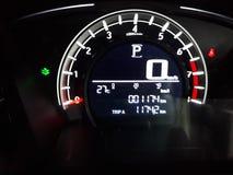 ErscheinenFahrzeuggeschwindigkeit- und Motorumdrehungen Lizenzfreie Stockfotografie