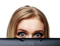 Erschrockene junge Frau Stockfotos