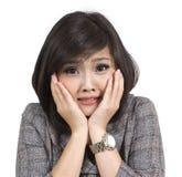 Erschrockene junge Geschäftsfrau stockfotografie