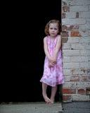 Erschrockenes kleines Mädchen Lizenzfreie Stockfotografie