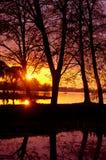 Erstaunliche Abendsonnenuntergangansicht. Stockfotos