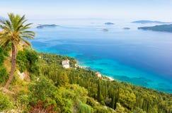 Erstaunliche Ansicht über adriatisches Meer und kleine Inseln von Peljesac-Halbinsel, Dalmatien, Kroatien Lizenzfreie Stockfotografie