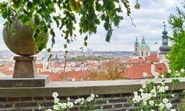 Erstaunliche Ansicht über Prag-Stadt lizenzfreies stockbild
