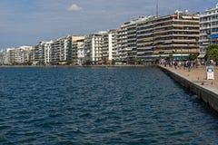 Erstaunliche Ansicht des Dammes der Stadt von Saloniki, Zentralmakedonien, Griechenland Lizenzfreie Stockbilder