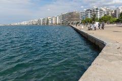 Erstaunliche Ansicht des Dammes der Stadt von Saloniki, Zentralmakedonien, Griechenland Lizenzfreie Stockfotos