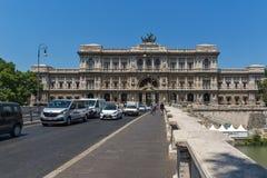 Erstaunliche Ansicht des Obersten Gerichts der Aufhebung und des Tiber-Flusses in der Stadt von Rom, Italien stockfoto