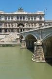 Erstaunliche Ansicht des Obersten Gerichts der Aufhebung und des Tiber-Flusses in der Stadt von Rom, Italien lizenzfreies stockfoto