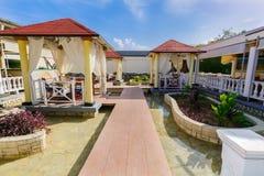 Erstaunliche Ansicht von Ligusterabendessen Gazebos im Freien bei Playa Pesquero Lizenzfreie Stockfotos