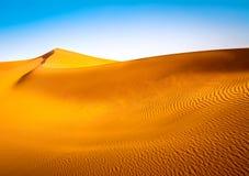 Erstaunliche Ansicht von Sanddünen in Sahara Desert Standort: Sahar stockbild