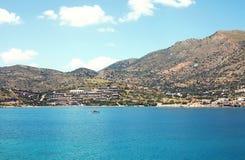 Erstaunliche atmosphärische Landschaft von Meer, Häuser auf Insel Stockbild