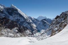 Erstaunliche Berglandschaft auf den drei Durchläufen Lizenzfreie Stockfotografie