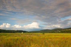 Erstaunliche Dämmerung im Tal nahe Prag Lizenzfreie Stockfotos