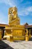 Erstaunliche goldene Buddha-Statue Lizenzfreies Stockbild