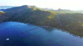 Erstaunliche Vogelperspektive in Labuan Bajo stock video footage