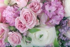 Erstaunlicher Blumenblumenstrauß-Anordnungsabschluß oben Lizenzfreies Stockbild