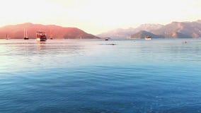 Erstaunlicher goldener Sonnenuntergang in Marmaris stock footage
