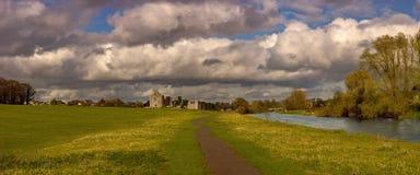 Erstaunlicher Himmel über Ordnung Co Meath lizenzfreie stockbilder