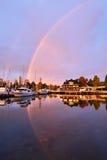 Erstaunlicher Morgenregenbogen in Stanley Park, Vancouver Stockfoto