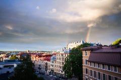 Erstaunlicher Regenbogen über der Stadt von Gothenburg, Schweden Lizenzfreie Stockfotografie