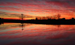 Erstaunlicher Sonnenaufgang in ländlichem Australien Stockbilder