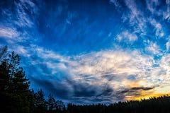 Erstaunlicher Sonnenaufganghimmel Stockfotografie