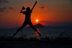 Erstaunlicher Sonnenuntergang über dem Meer Stockfotografie