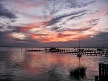 Erstaunlicher Sonnenuntergang auf den äußeren Banken des North Carolina Lizenzfreie Stockfotos