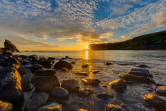 Erstaunlicher Sonnenuntergang auf der Insel von Skye stockbilder