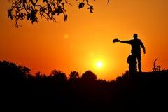 Erstaunlicher Sonnenuntergang im Dschungel Stockbild