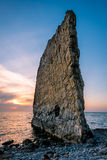 Erstaunlicher Sonnenuntergang nahe Segel-Felsen in Russland Stockfoto