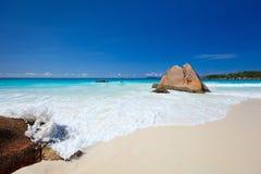 Erstaunlicher tropischer Strand bei Seychellen Lizenzfreie Stockbilder