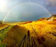 Erstaunlicher voller Regenbogen in Island lizenzfreie stockfotos