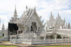Erstaunlicher weißer Tempel Wat Rong Khun in Thailand Stockbilder