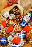 Erstaunlicher Weihnachtshintergrund, buntes Weihnachtsmaterial Lizenzfreie Stockbilder