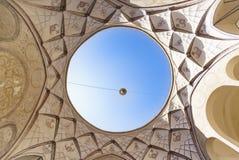Erstaunliches Kreisoberlicht innerhalb Tabatabaei-Hauses, ein historisches Haus in Kashan der Iran Stockfoto