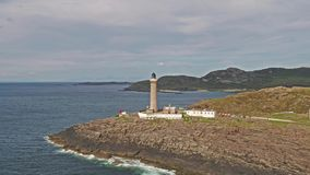 Erstaunliches Langstreckenluftschussteil 03 Ardnamurchan-Punkt, großes Britains der meiste westliche Punkt, mit Leuchtturm stock video footage