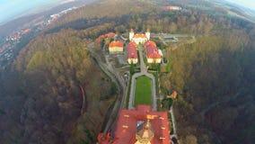 Erstaunliches Luftschloss in Polen stock footage