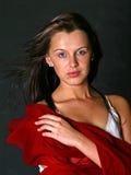 Erstaunliches Mädchen mit dem dunklen langen Haar Lizenzfreie Stockfotografie