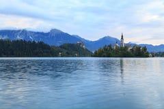 Erstaunliches Schloss blutete See Stockbild