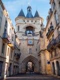 Erstaunliches Tor Cailhau Porte Cailhau in der Bordeauxstadt, Frankreich lizenzfreie stockfotos