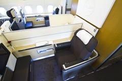 Erste Klasse Lufthansa-A380 mit stieg Stockfoto