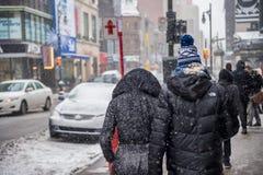 Erste Schneefälle Montreals der Jahreszeit lizenzfreie stockbilder