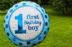 Erster Geburtstagsjungentext auf Ballon Lizenzfreie Stockfotografie