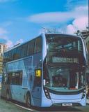 Erster Gruppen-Bus A1 im Stadtzentrum Lizenzfreies Stockfoto