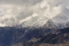 Erster Schnee auf Haut de Cry lizenzfreie stockfotografie