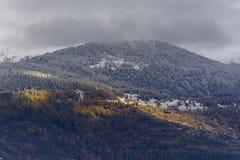 Erster Schnee auf Mont-edlem stockbilder