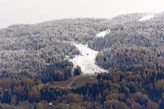 Erster Schnee auf Piste de L& X27; Unsere lizenzfreies stockbild