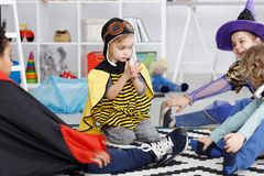 Erster Tag am Kindergarten lizenzfreies stockfoto