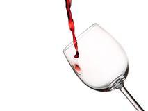Erster Tropfen des Rotweins Stockfoto